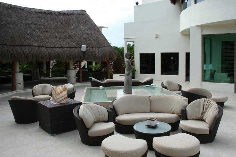 The Melange Lobby Bar at Desire Resort ans Spa Riviera Maya