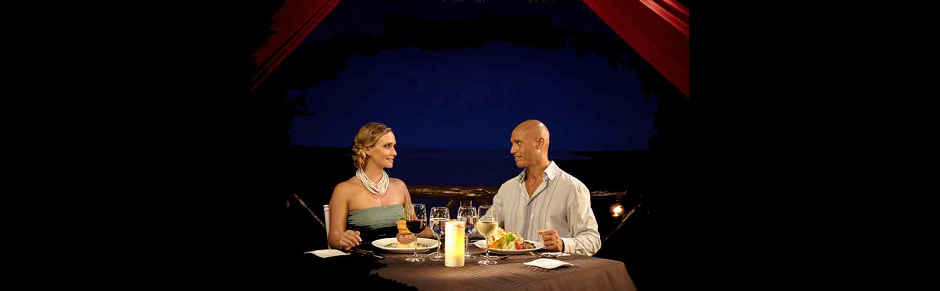 Romantic Dinner on the Gazebo at Desire Pearl Puerto Morelos